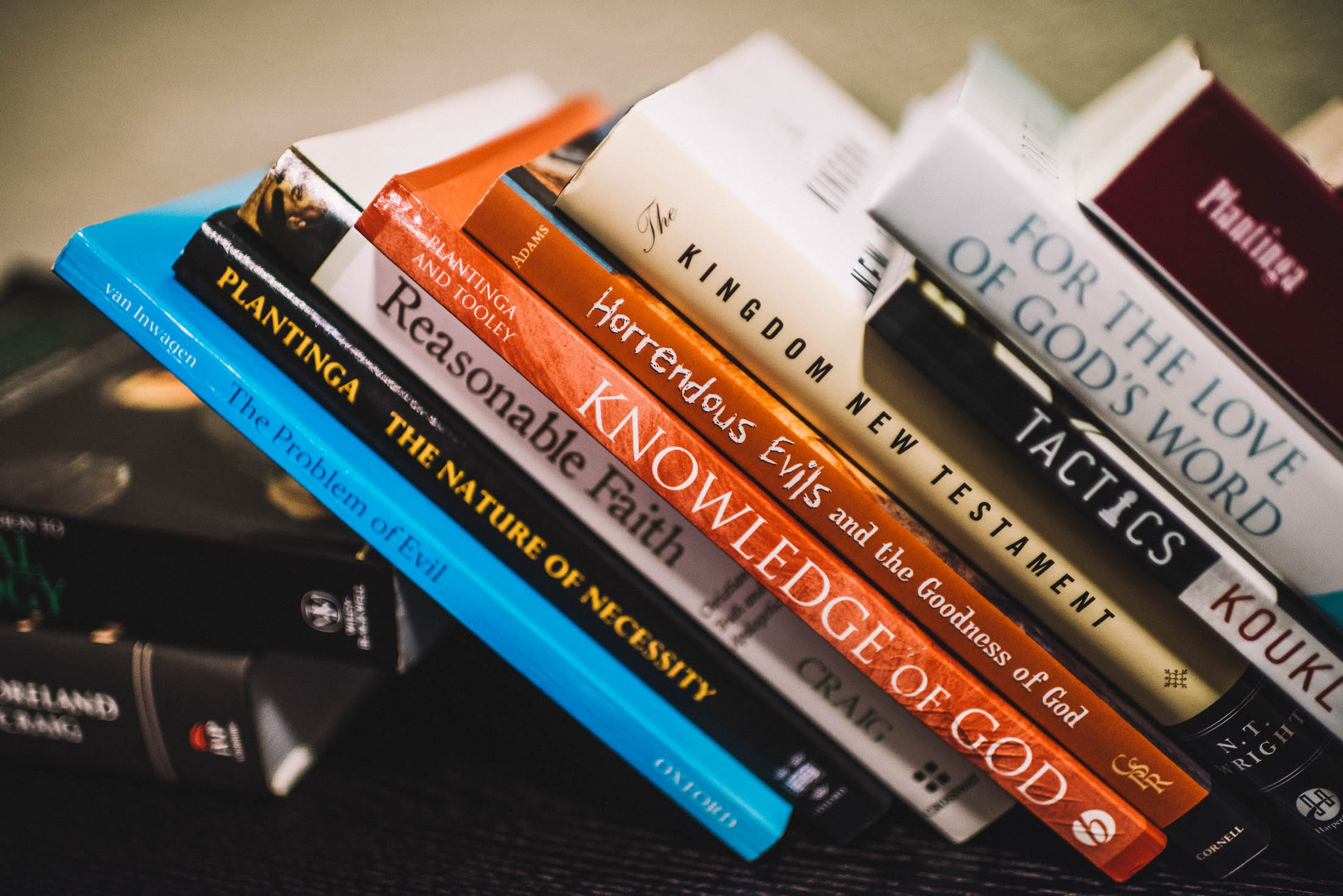 The Top 3 Apologetics Books Christian Philosophers Say You Should